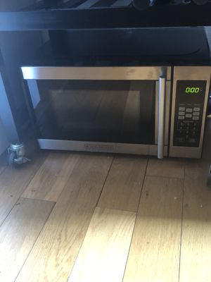 Black and decker microwave - small for Sale in New York, NY