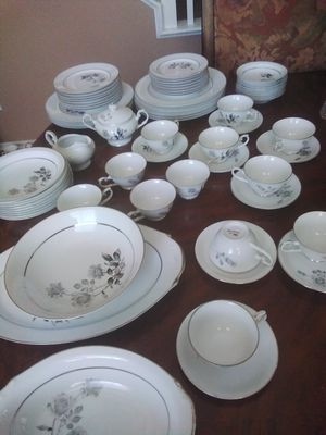 China set for Sale in Wildomar, CA