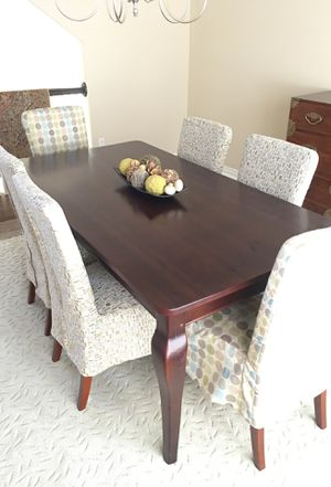 Crate and Barrel dining table and six parsons chairs for Sale in Castle Rock, CO