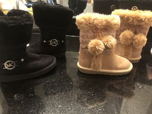 Micheal kors girls toddler boots for Sale in McKinney, TX