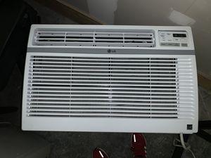 LG LW1516ER: 15,000 BTU Window Air Conditioner for Sale in Auburn, WA