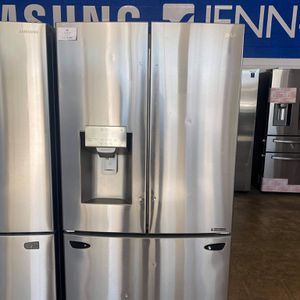 LG 3 Doors Big Capacity 208 Small Hill Dr 75050 for Sale in Grand Prairie, TX