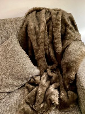 Faux fur throw blanket for Sale in Roseville, CA