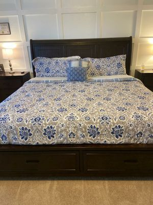 Master bedroom set! for Sale in Orting, WA