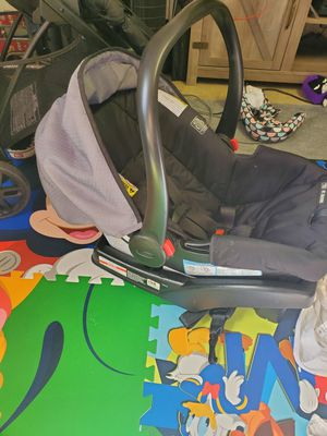 Graco click connect 30 car seat with base and stroller for Sale in Fairland, OK