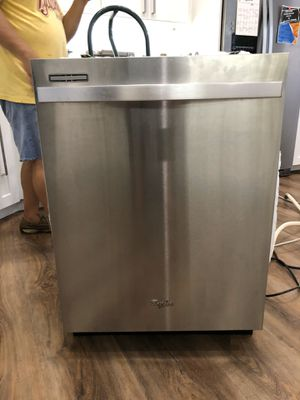 Whirlpool gold series dishwasher Model. WDT710PAYM3 for Sale in FL, US