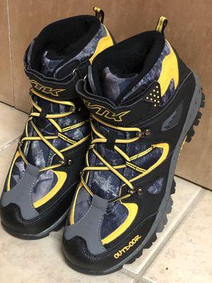 Kid Snow Boots 8 Big Kid, Black/Yellow for Sale in Alexandria, VA
