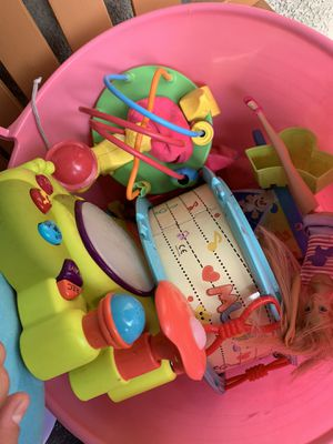 Free toys for Sale in Compton, CA