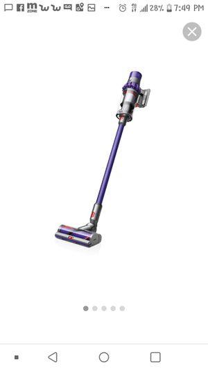 Dyson v8 pet vacuum for Sale in Dallas, TX