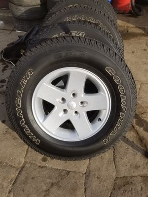 Jeep Wrangler Wheels and tires for Sale in Oakbrook Terrace, IL