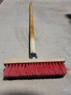 Push broom. Pickup only, near to : 6105 S. Fort Apache Rd, 89148. for Sale in Las Vegas, NV