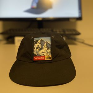 Supreme The North Face Mountain 6-Panel Hat Black for Sale in Bothell, WA