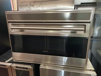 WOLF 36IN SINGLE WALL ELECTRIC OVEN for Sale in Menifee,  CA
