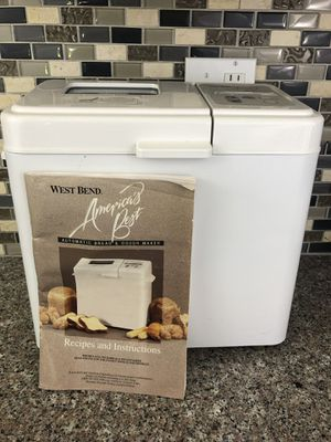 West Bend Made in USA Automatic Breadmaker 120V 575 America's Best w/Manual for Sale in Hazelwood, MO