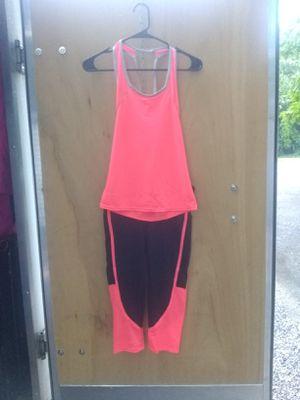 XL, Large, Medium & Small Hot Pink Yoga Capri Leggings Set for Sale in Taylor, MI
