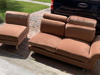 Modern Couch Set w/ Magazine Rack for Sale in Kissimmee,  FL