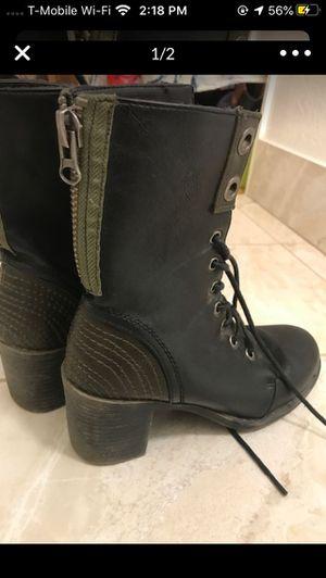 Steven madden size 7 boots for Sale in Pomona, CA