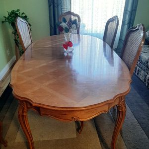 Gorgeous Table Set! for Sale in Arvada, CO