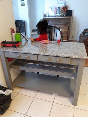 Kitchen island for Sale in Davenport, FL
