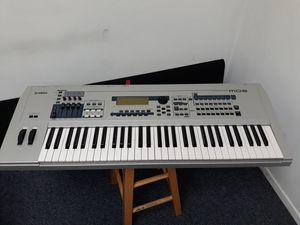 Yamaha MO6 Synthesizer Keyboard for Sale in Escondido, CA