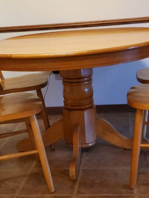 Real Oak kitchen Table for Sale in Saint Paul, MN