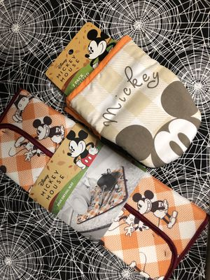 Disney Mickey Fall/ harvest Kitchen mitts and mat for Sale in Whittier, CA