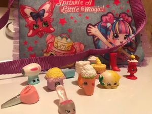 12 shopkins and shopkins purse like new for Sale in Chandler, AZ
