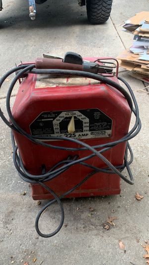 Lincoln 225 amp arc welder for Sale in Manchester, MO