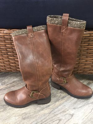 Women's size 6 boots for Sale in Apex, NC