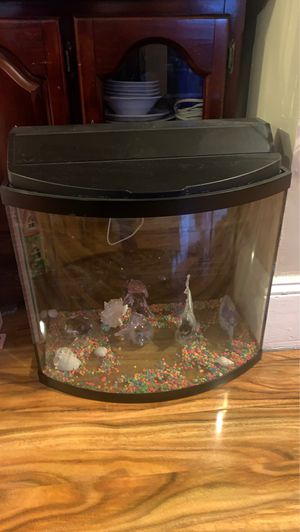 Fish tank for Sale in Levittown, PA