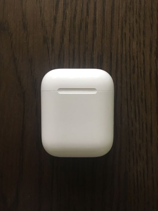 Apple AirPods Wireless Earbuds Case - 1st Generation (only Case / Empty)