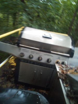 BBQ grill for Sale in Saint Charles, MO