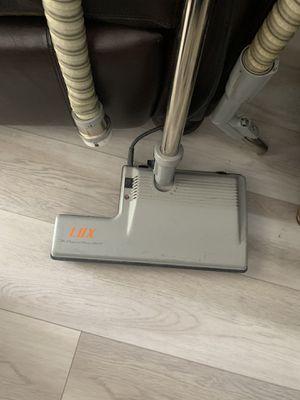 Electrolux vacuum for Sale in Miami, FL
