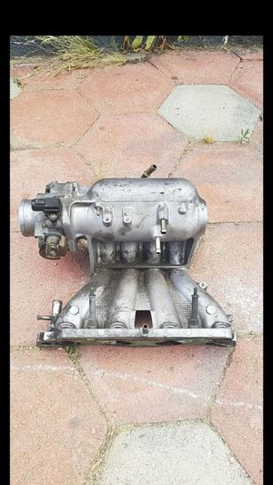 Honda ek 96-00 civic intake manifold no iacv p2p d16y8 throttle body 17100-P2P-A10 for Sale in Lake Isabella, CA