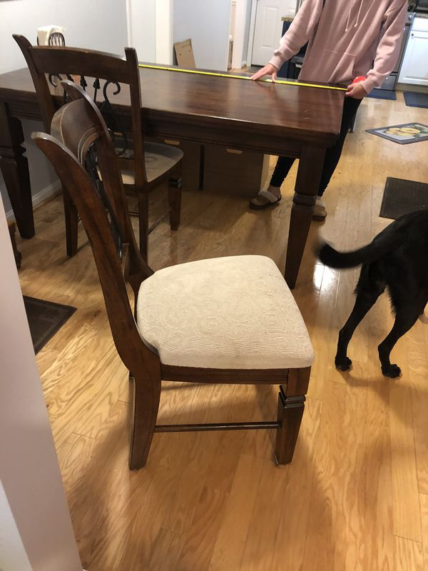 Brown Wooden Kitchen Table & 4 Chairs