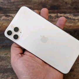 iPhone 11 pro Max unlocked all Carrie for Sale in Atlanta, GA