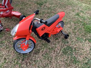 New Red Incredibles Ride On Bike w/ Charger for Sale in Virginia Beach, VA