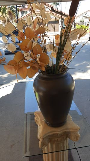 Tall Vase with flowers for Sale in Rancho Cucamonga, CA