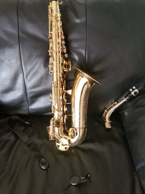 Beautiful SAX by CONN Purchase from Melody Mart in Homewood Illinois great shape excellent condition with complete case and holder for Sale in Homewood, IL
