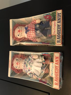 7 inch Raggedy Ann and raggedy Andy inbox for Sale in Brecksville, OH