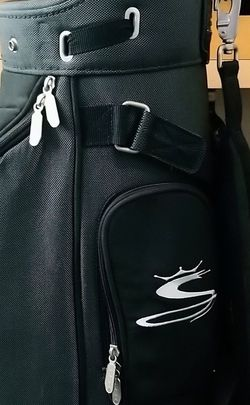 Golf Cart Bag with Rain Hood and free clubs for Sale in Rancho Santa Margarita,  CA