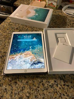 iPad Pro second generation WiFi Gold 512 Gb Like new no trades no shipping for Sale in Oak Lawn, IL