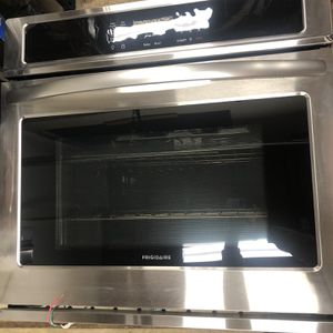 30in Single Electric Wall Oven Self-Cleaning In Stainless steel for Sale in Granite Bay, CA