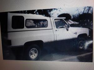 Chevy Silverado 4x4 short bed for parts for Sale in Miami, FL
