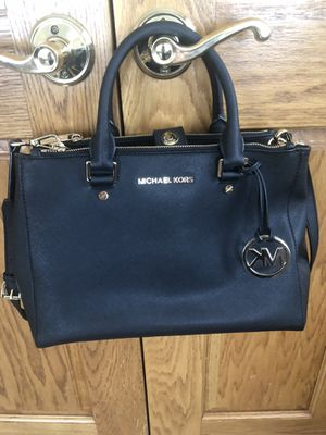 Michael Kors Black Tote Bag for Sale in Roselle, IL