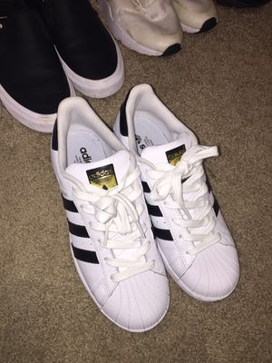 Woman's Adidas size 71/2 for Sale in Vancouver, WA