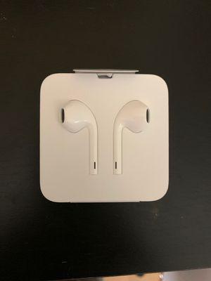 Apple headphone (latest) for Sale in Deerfield Beach, FL