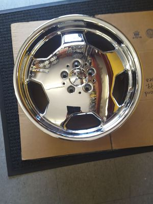 """Mercedes S420 S320 S500 S600 95 96 97 98 99 18"""" Chrome Wheel 85197 1404010102 for Sale in Hempstead, NY"""