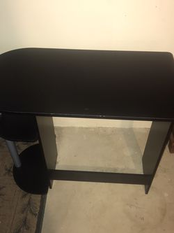 Desk for Sale in Macedonia,  OH