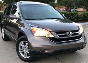 SELLING HONDA CRV 2010 4 CYLINDERS 4 DOORS for Sale in Cincinnati, OH